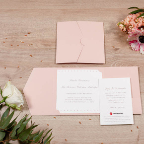 Partecipazione solidale La vie en Rose con folder rosa, regalo solidale in ambito Bomboniere solidali